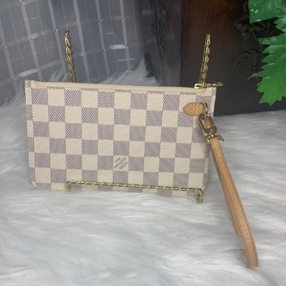 Louis Vuitton Handbags - 🌼Authentic Louis Vuitton Neverfull Pouch Pm🌼